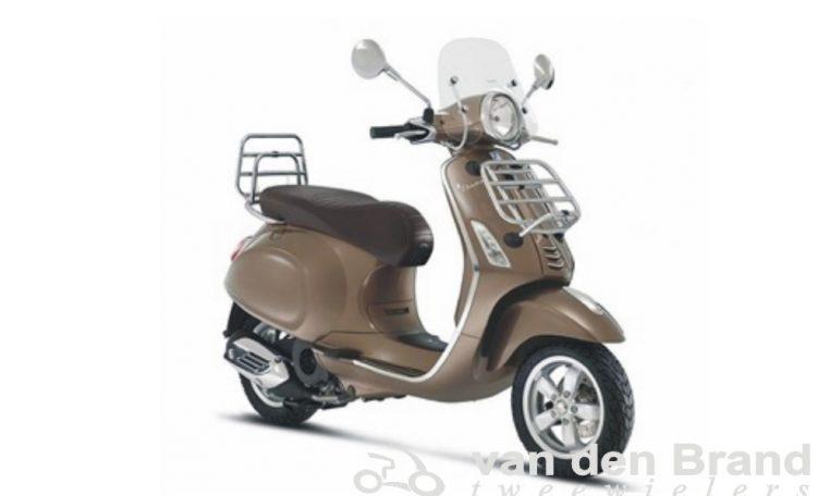 Vespa Primavera 2017 Touring marrone bruin