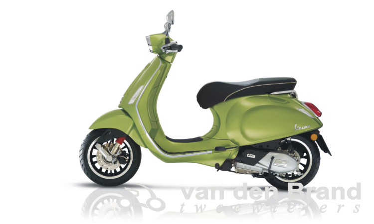 Vespa Sprint groen 2018 links